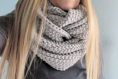 Ravelry: GAP-tastic Cowl pattern by Jen Geigley Lion Brand Wool-Ease Chunky Yarn weight Bulky / 12 ply wpi) ? Gauge 3 stitches and 5 rows = 1 inch in seed stitch Needle size US 13 - mm Yardage 306 yards m) Beginner Knitting Patterns, Knitting For Beginners, Knit Patterns, Free Knitting, Knitting Projects, Vogue Knitting, Finger Knitting, Knitting Tutorials, Knitting Machine
