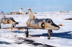 Mirage 5 en la nieve, Fuerza Aérea Argentina, colección Juan Carlos Cicalesi.
