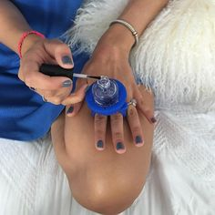Use a Tweexy bottle holder ring while you paint your nails for optimal control…