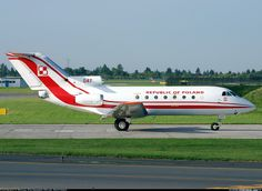 Poland - Air Force 047 Yakovlev Yak-40 aircraft picture