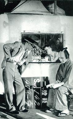 『二つ燈籠』(1933年・松竹) 林長二郎(長谷川一夫)と衣笠貞之助監督 1930s, Fictional Characters, World, Movies, Fantasy Characters
