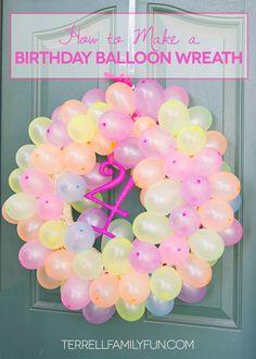 How to Make a Balloon Wreath, Birthday Wreath #DIY #crafts http://terrellfamilyfun.com/2014/07/how-to-make-a-balloon-wreath/
