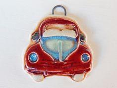 Handmade porcelain pendant boho-chic red car por Majoyoal en Etsy
