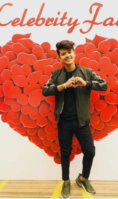 The famous tik tok star riyaz aly. Riyaz aly which was becoming a new star by the tik tok app. The tik tok star riyaz aly. Boy Photography Poses, Girl Photo Poses, Musically Star, Handsome Celebrities, Cute Little Baby Girl, Best Photo Background, Crush Pics, Cute Boy Photo, Dear Crush
