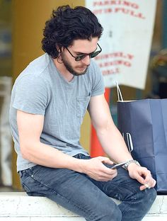 Kit Harington e basta. — Kit Harington - Shopping in LA - 2016