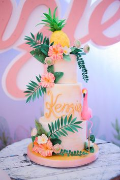 Flamingo Cake The cutest pink flamingo party was thrown for the cutest baby in town, Kenzie! After seeing what Happy Folks Studio sent us from this birthday bash, my day instantly took a turn for the best! Bolos Pool Party, Pool Party Cakes, Luau Cakes, Cake Party, Pink Flamingo Party, Flamingo Cake, Flamingo Birthday, Pink Flamingos, Flamingo Baby Shower