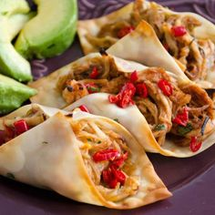 wonton wrappers to make crispy baked chicken tacos. Healthy Food: Healthy FoodUse wonton wrappers to make crispy baked chicken tacos. Think Food, I Love Food, Food For Thought, Baked Chicken Tacos, Crispy Baked Chicken, Baked Tacos, Chicken Wontons, Bbq Chicken, Shredded Chicken