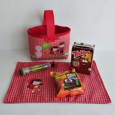 Baby Photos, Diy And Crafts, Lunch Box, Sewing, Party, Bags, Disney, Red Riding Hood Costume Kids, Red Riding Hood