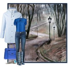 Stay chic in any weather. Our magic purse LADYBAG will not only make you look stunning in any weather but it will warm up your hands and charge your mobile devices as well.