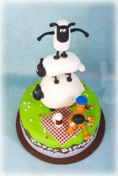 Shaun the Sheep birthday cake and cupcakes ; https://www.facebook.com/thebunnybaker ; https://www.facebook.com/media/set/?set=a.520049134692979.128694.127578723940024&type=1
