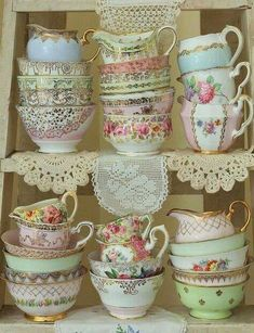 We offer several different styles of premium quality vintage china tea sets to hire for your high tea party in Perth.