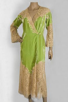 Silk velvet and lace peignoir, 1930s, from the Vintage Textile archives.