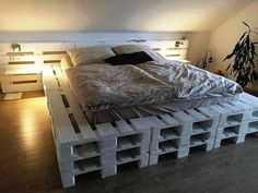 Wooden bed design diy pallet king bed instructions small kitchen ideas interesting how to go rustic platform bed designs frame plans image photo gallery Pallet Bedframe, Wooden Pallet Beds, Diy Pallet Bed, Pallet Furniture, Bed Pallets, Wooden Bedroom, Pallet Wood, Diy Wood, Bedroom Decor