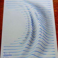 Deze 15-jarige kunstenaar verveelde zich waarschijnlijk tijdens de lessen op school en begon zijn favoriete cartoons te tekenen. Hij creëerde ...