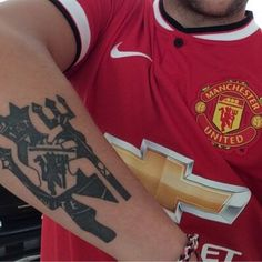 Mufc tattoo and new kit