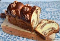 cozonac cu nuca taiat dupa racire Easter Recipes, My Recipes, Romanian Desserts, Cacao Beans, Banana Bread, French Toast, Bacon, Muffin, Food And Drink