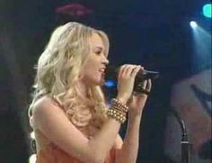 """Carrie Underwood performs """"Stand By Your Man"""" at the Grand Ole Opry"""