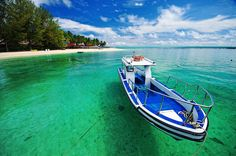 Derawan Beach, East Kalimantan   The Most Beautiful Beaches in Indonesia | http://theamazingindonesia.com/beautiful-beaches-indonesia/