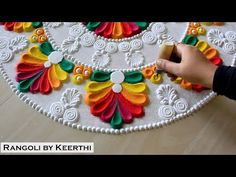Rangoli Designs Latest, Rangoli Designs Simple Diwali, Diwali Special Rangoli Design, Beautiful Rangoli Designs, Indian Rangoli Designs, Rangoli Designs Flower, Free Hand Rangoli Design, Rangoli Border Designs, Small Rangoli Design