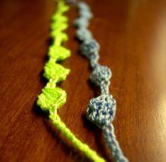 Braccialetti portafortuna di CrochetLacesAndMore su Etsy