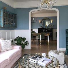 """451 gilla-markeringar, 4 kommentarer - @inredningslisa på Instagram: """"Älskar färgerna och harmonin hemma hos @hannasanglar ✨😍 #vardagsrum #livingroom #newporthome…"""""""