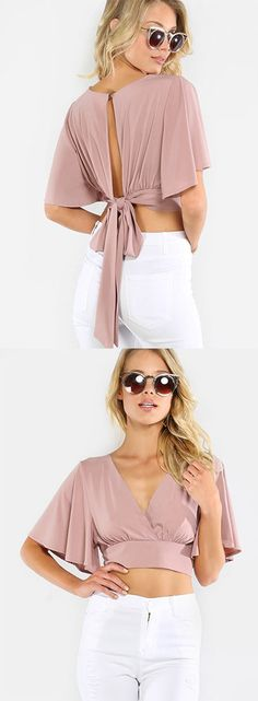 Add a feminine piece to your ensemble with the Flowy Crop Wrap Top! Features a a v-neck, pleated front, wrap closure and fluttery short sleeves. Trendy Dresses, Casual Dresses, Fashion Dresses, Summer Dresses, Diy Clothes, Clothes For Women, Mode Hijab, Dresses With Sleeves, Short Sleeves