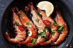 Receita: Gambas al ajillo, por Alykhan Karim British Dishes, Prawn Recipes, Good Food, Yummy Food, Spanish Food, Antipasto, Nutrition, Chinese Food, Great Recipes