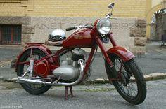 Jawa Perak 250  Baujahr: 1949 Motor: 1 Zylinder, luftgekühlt,  250 ccm, 9 PS Getriebe: 4-Gang manuell
