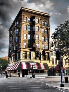 The Livingston Building East St Louis, Bloomington Illinois, Support Local Business, Livingston, Route 66, The Neighbourhood, Chicago, Real Estate, Mansions