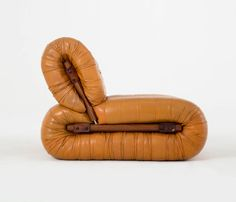 Rare modular seating group by Percival Lafer, rosewood and leather CREATOR: Parcival Lafer (Designer) OF THE PERIOD: Mid-Century Modern COUNTRY: Brazil DATE OF MANUFACTURE: 1960's MATERIALS: Leather and rosewood/jacaranda HEIGHT: 29.13 in. (74 cm) WIDTH: 28.35 in. (72 cm) DEPTH: 41.34 in. (105 cm) SEAT HEIGHT: 14.96 in. (38 cm)