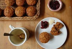 The Iron You - A healthy living blog with tasty recipes: Whole Wheat, Oatmeal and Raisin Muffins