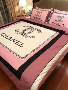 Our Online Store Offer Wallet- Friendly ( and Fashionable) Clothing Chanel Bedding, Chanel Bedroom, Pink Bedding, Luxury Bedding Sets, King Bedding Sets, Cute Room Decor, Room Decor Bedroom, Cama Chanel, Cool Ideas