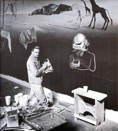 Dali working on 'Dream of Venus'