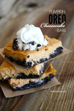 Pumpkin Oreo Cheesecake Bars | theidearoom.net