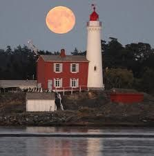 Supermoon plus Light house equals awesome