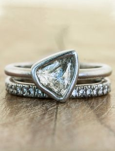 I know it's weird but this is the engagement ring of my dreams! Seriously