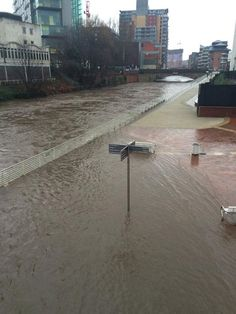 Live updates: Homes evacuated, pub collapses, city centre on flood alert as rivers across Manchester burst their banks - Manchester Evening News