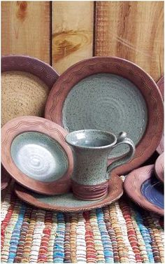 Rustic River Stoneware Dinnerware This 16 pc. Rustic River Stoneware Dinnerware is the latest in a line of distinctive detailed artwork dinnerware. The Wide Rim design is a feature that has grown in popularity. This western dinnerware pattern Rustic Dinnerware, Stoneware Dinnerware Sets, Dinnerware Ideas, Modern Dinnerware, Western Decor, Rustic Decor, Look Rose, Do It Yourself Furniture, Lodge Decor
