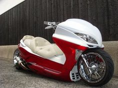 CUSTOM SCOOTERS FROM JAPAN    ARTICLE : http://www.dwrenched.com/2012/07/dwrenched-special_23.html