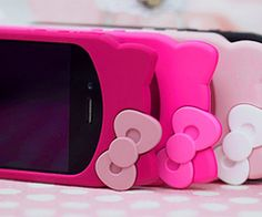 Hello Kitty cell phone cover. Need to find this!