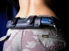 horizontal small of back knife sheath - In a life or death situation/fight for survival.I think you'd be glad to have this on you Airsoft, Cool Knives, Knives And Swords, Survival Tools, Survival Knife, Zombie Survival Gear, Survival List, Wilderness Survival, Survival Prepping