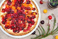 Sklizeň posledních plodů léta se blíží ke konci, a tak si dost možná naposledy připomínáme vůni svěžího ovoce v tomto koláči :) Pepperoni, Pizza, Yummy Food, Food Ideas, Cakes, Fit, Delicious Food, Cake Makers, Shape