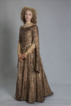 Sarah Gadon as Phillipa for World Without End - note cut away from arm of over sleeve
