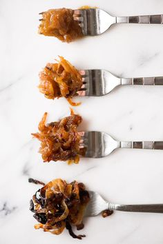 Four Methods for Caramelizing Onions, with instructions and comparison