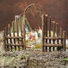 Fairy garden entrance of twigs - I like this idea for a full sized garden entran. - Fairy garden entrance of twigs – I like this idea for a full sized garden entrance – DIY Fairy - Mini Fairy Garden, Fairy Garden Houses, Gnome Garden, Diy Fairy House, Diy Fairy Door, Garden Wagon, Fairy Tree Houses, Fairies Garden, Fairy Crafts
