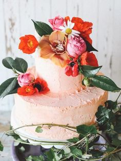 Tropical Wedding Cakes | SouthBound Bride | http://www.southboundbride.com/tropical-wedding-cakes | Credit: Lara Hotz Photography/Teeki Designs via Burnett's Boards