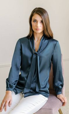 Distinguished by its narrow-cut removable neck tie, the Vinci offers dynamic versatility. Neck tie can be tied into a neat bow or casual half-knot, untied, or completely removed altogether. Bow Blouse, Sexy Blouse, Blouse Outfit, Pencil Skirt Black, Pencil Skirts, Satin Top, Silk Satin, Silk Charmeuse, Satin Blouses