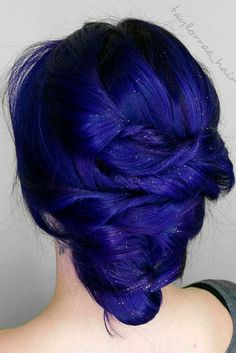 Chic and Sexy Blue Hair Styles for a Brave New Look ★ See more: http://glaminati.com/blue-hair-sexy-styles/