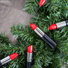 ¡Crea un elegante look de fin de año con #MaryKay Creme Lipstick en Really Red! http://expi.co/0kYrO