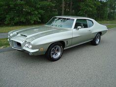 1972 Pontiac LeMans, Endura bumper option.